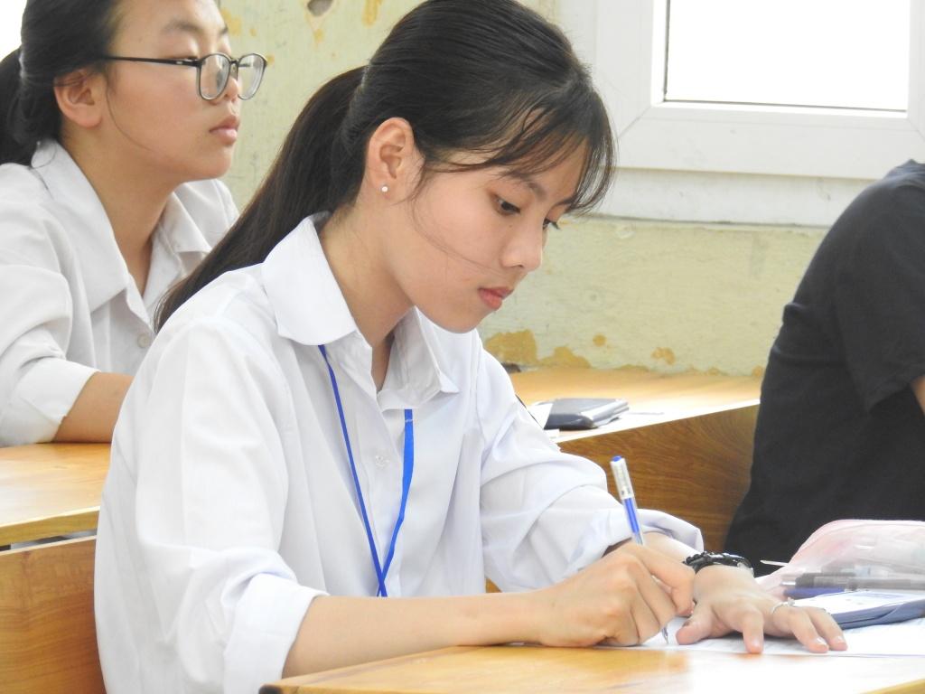 Những thông tin về xét tuyển Trung cấp Dược TPHCM hệ vừa học vừa làm
