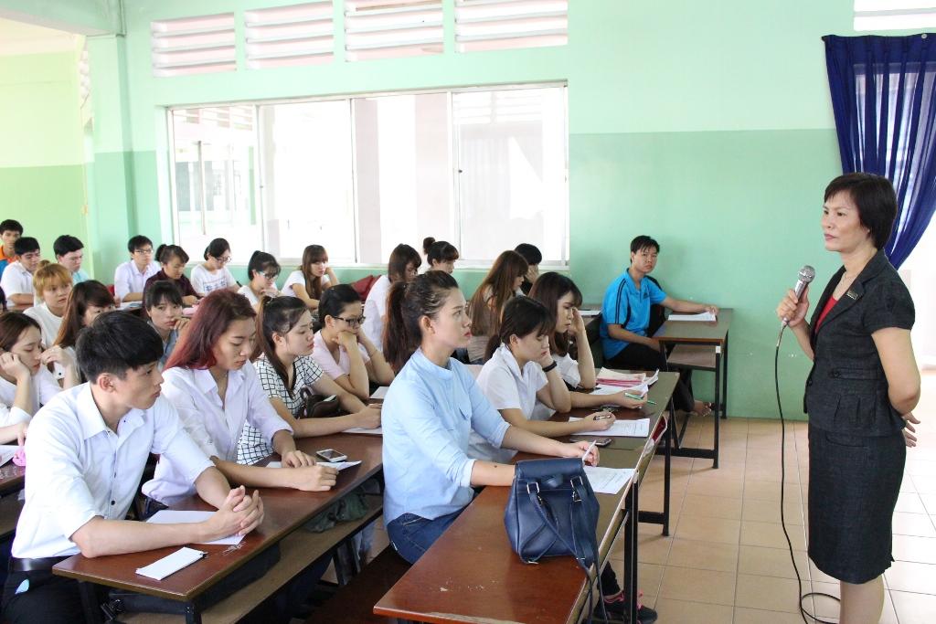 Ngôn ngữ Anh nên học trường nào?Tại sao phải học ngôn ngữ Anh?