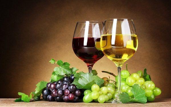 cách ngâm rượu nho với rượu trắng